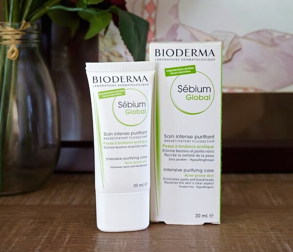 Review kem se khit lo chan long Bioderma 4